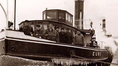 Die Besatzung auf dem Dampfeisbrecher